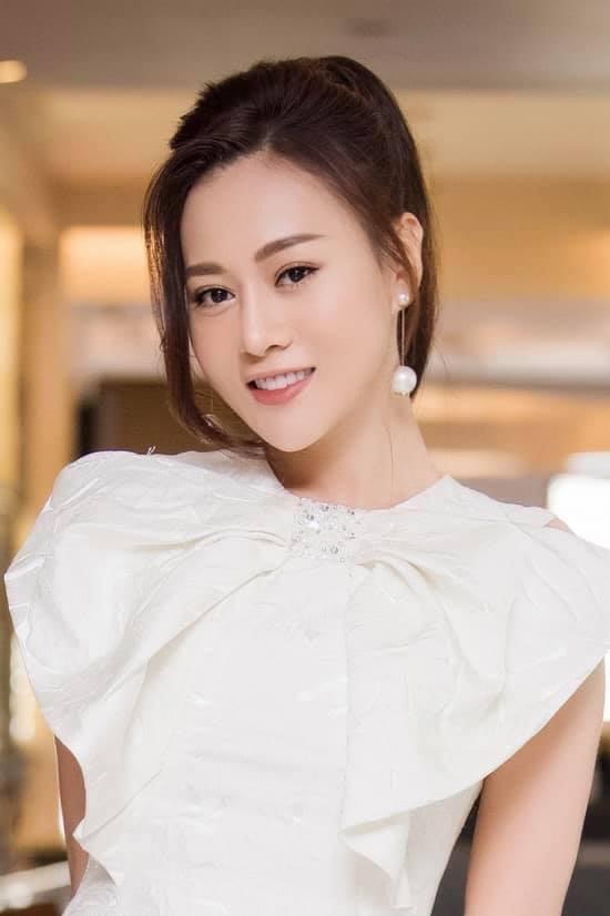 Phương Oanh rút khỏi đề cử VTV Awards