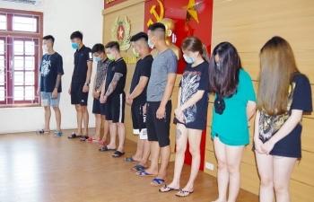 """Hải Dương: Quán karaoke KINGDOM lén lút mở cửa cho 31 dân chơi """"bay lắc"""""""