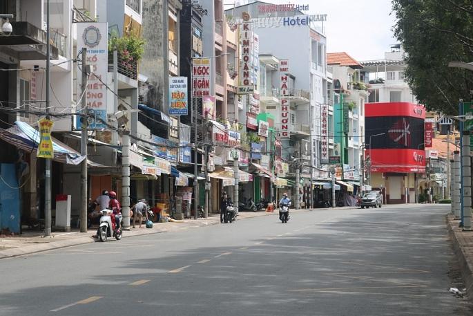 Ảnh các điểm hộ kinh doanh trên các tuyến đường tại quận Ninh Kiều tạm ngưng hoạt động theo chỉ thị 16.